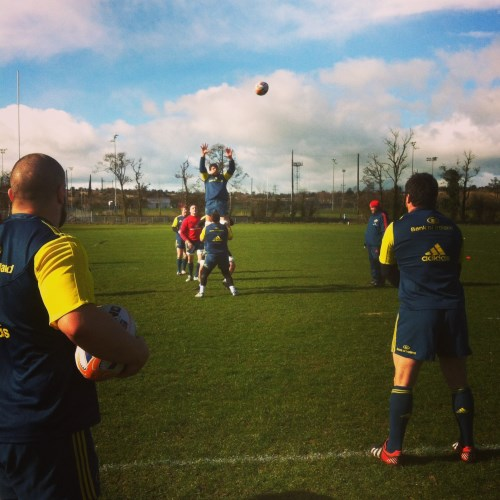 Munster-Lineout-Training-Axle-Foley-in-the-background