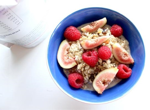 Museli bowl + fruit